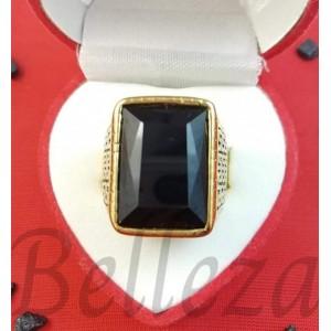 Пръстен в златен цвят от медицинска стомана и черен камък R - 656