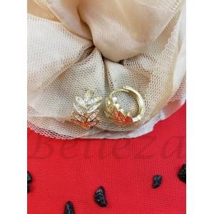 Дамски обеци в златен цвят от медицинска стомана и бели цирконий E - 21776