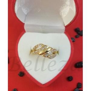 Дамски пръстен в златен цвят от медицинска стомана R - 633