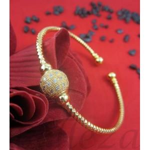 Дамска гривна в златен цвят от медицинска стомана B - 1423