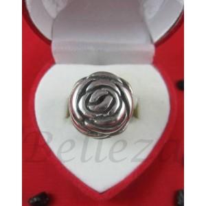 Дамски пръстен със сребърна баня от медицинска стомана R - 66