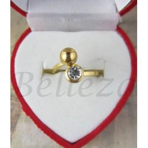 Дамски пръстен със златна баня от медицинска стомана и цирконий R - 432