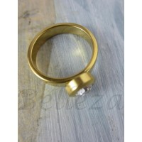 Дамски пръстен със златна баня от медицинска стомана и цирконий R - 405