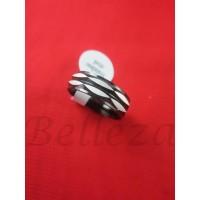 Пръстен тип халка със сребърна баня от медицинска стомана R - 540