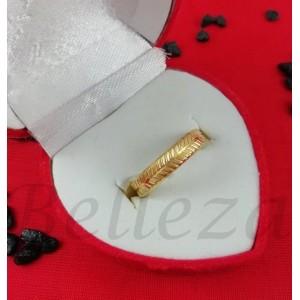 Пръстен тип халка със златна баня от медицинска стомана R - 577