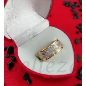 Пръстен тип халка със златна баня и сребърен брокат от медицинска стомана R - 584