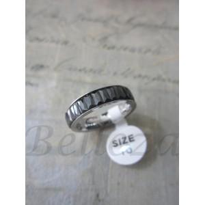 Пръстен тип-халка със сребърна баня от медицинска стомана и черни кристали R - 312