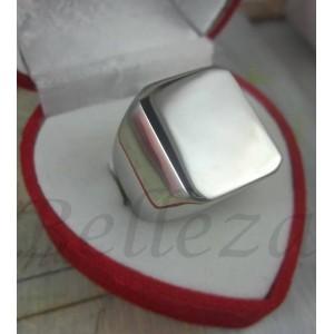 Пръстен със сребърна баня от медицинска стомана R - 430