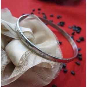 Дамска гривна от стомана със сребърен цвят B - 1159